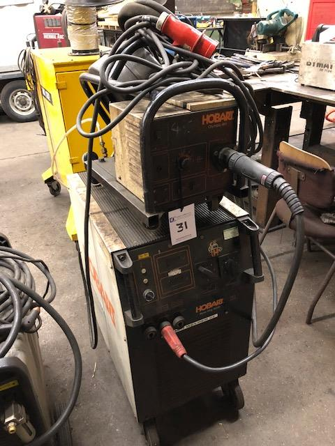 Lot 31 - HOBART BETAMIG 4000, 415v portable MIG welder s/no: LA252850, complete with HOBART 4H wire feed