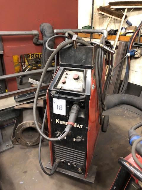Lot 18 - KEMPPI KEMPOMAT 3200, 415v portable MIG welder