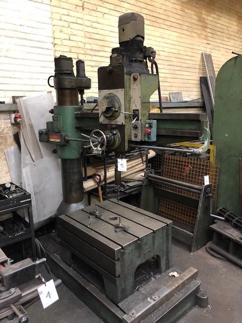 """Lot 5 - KITCHEN & WADE Model E31, 36"""" radial arm pillar drill, complete with selection of tooling as lotted."""
