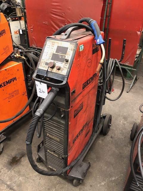 Lot 24 - KEMPPI PRO 4200 EVOLUTION, 415v portable MIG welder, complete with KEMPPI PROMIG 530 wire feed and