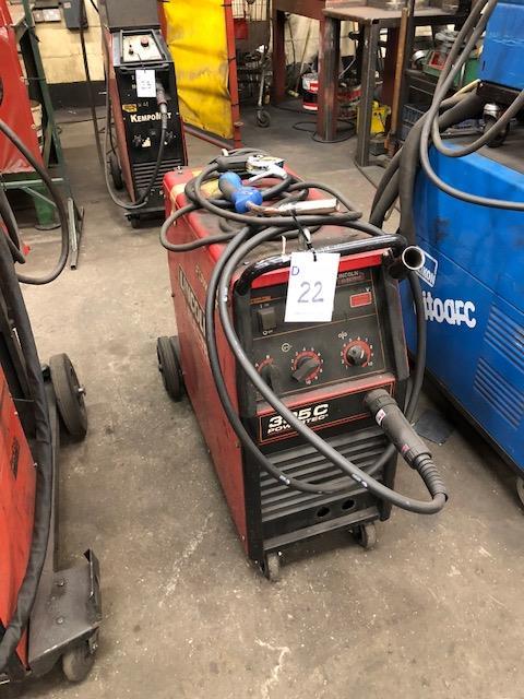 Lot 22 - LINCOLN ELECTRIC POWERTEK 305C 4X4, 415v portable MIG welder s/no: P113090881