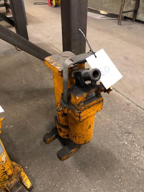 Lot 60 - Unbranded 10ton capacity hydraulic toe jack