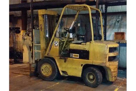 Caterpillar Model V50B 5,000-Lb  Capacity LP Gas Lift Truck, S/N