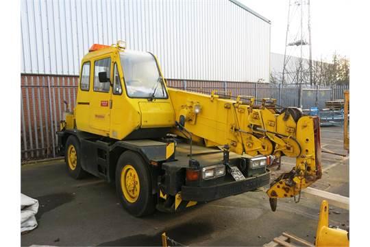A Kobelco RK70M-2 7 ton telescopic crane  Max capacity 7T at