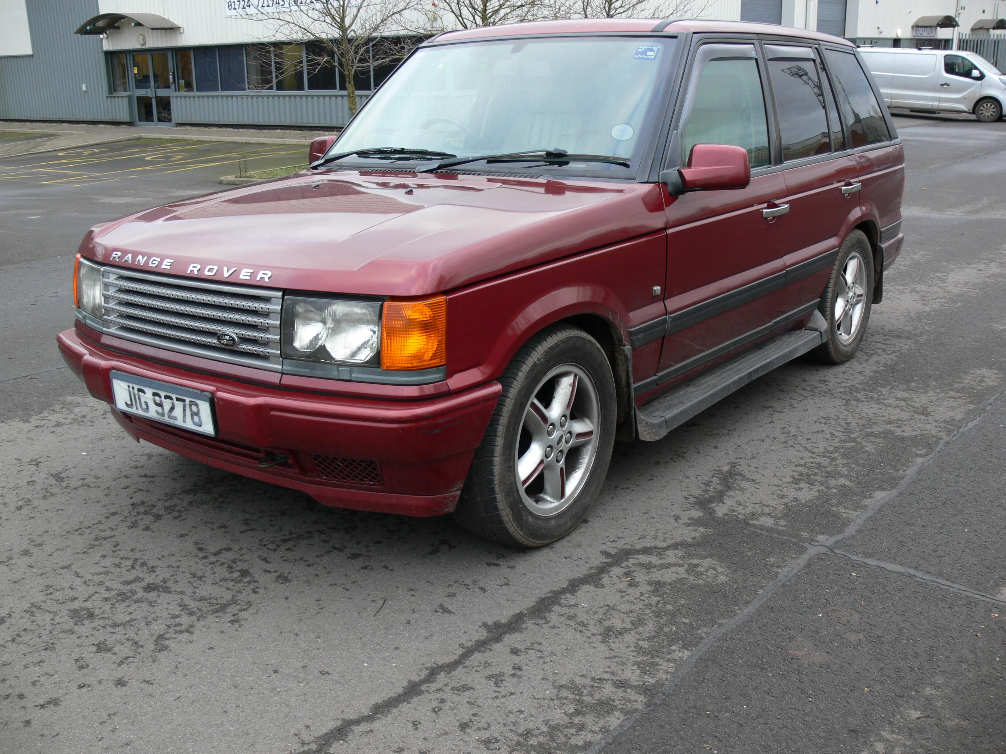 land rover range rover p38 automatic date of first registration 29 06 2001 bordeaux limited edi. Black Bedroom Furniture Sets. Home Design Ideas