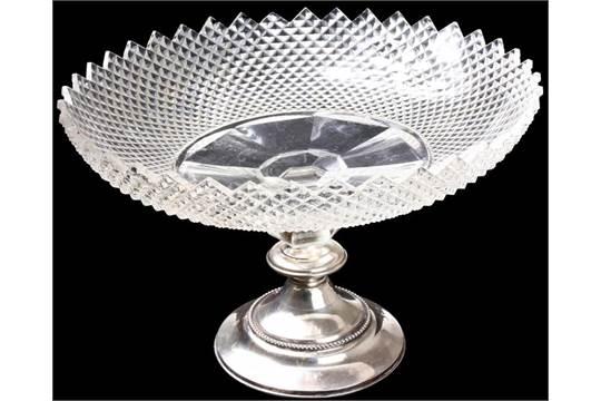Zilveren Schaal Op Voet.Geslepen Kristallen Schaal Diamantslijpsel Op 2e Gehalte