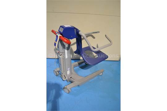 arjo alenti electric patient hoist with controller and battery rh i bidder com Arjo Alenti Parts Manual Arjo Lifts and Tubs