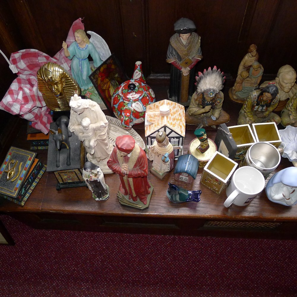 Lot 9 - a qty. of misc. small ornaments and sundries etc. (located in junior school ground floor)