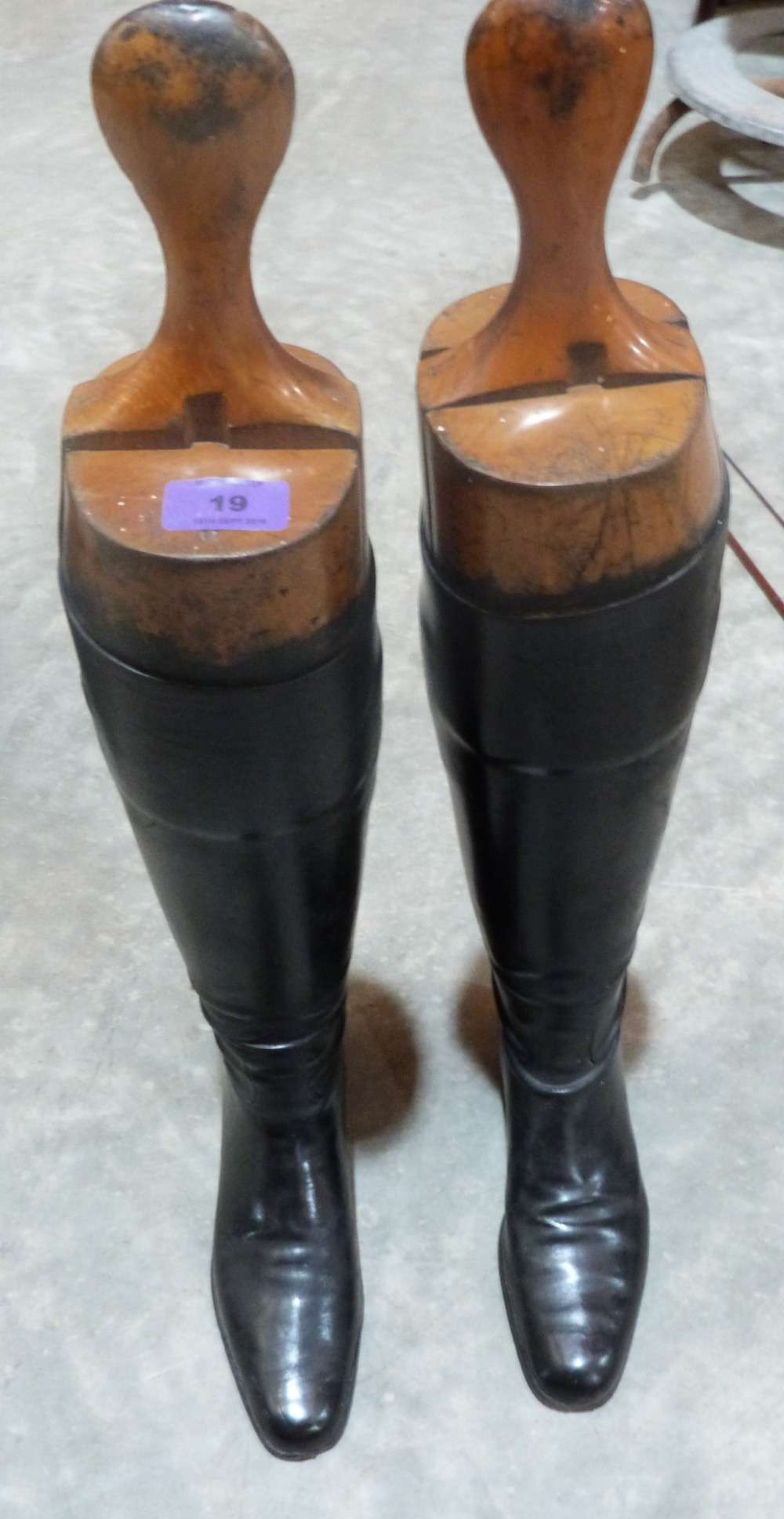Lot 19 - A pair of lady's leather hunting boots with trees