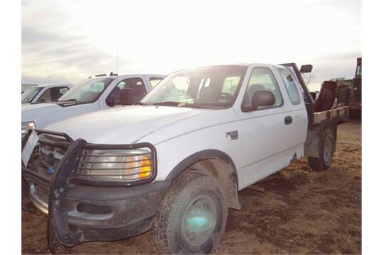 Lot 352 1998 Ford F150 Truck 4wd Flatbed Motor Has Issues Title
