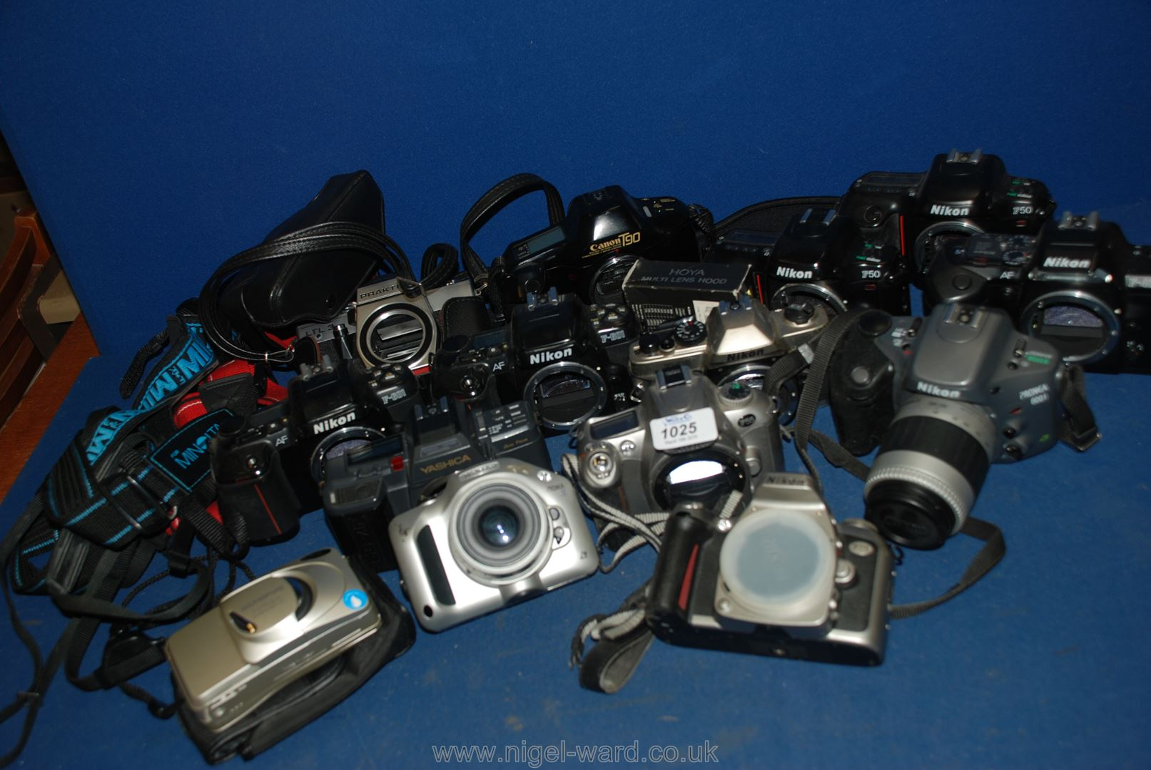 Lot 1025 - A large quantity of SLR film Cameras to include; Minolta, Nikon, Canon, etc.