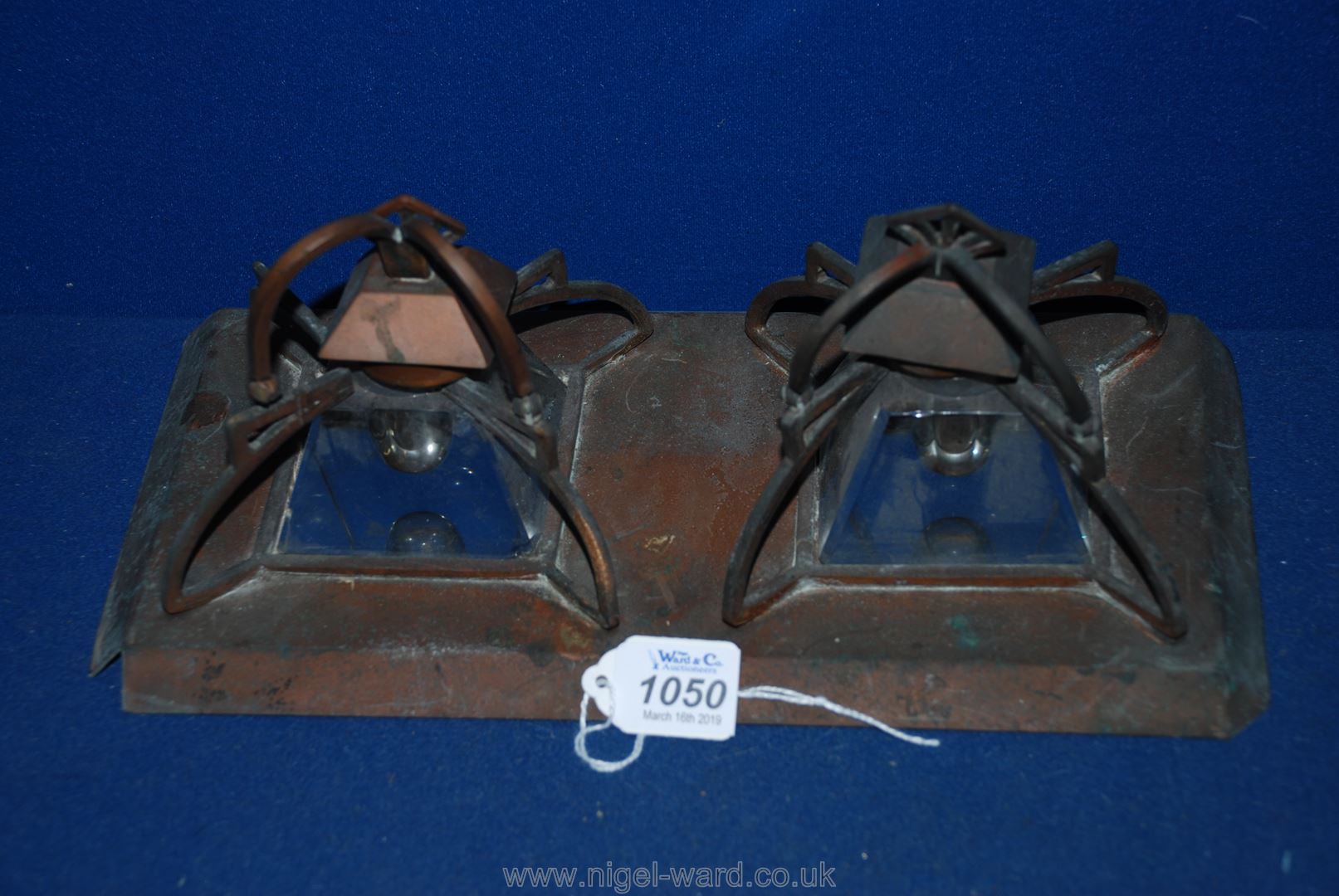 Lot 1050 - An old double Inkwell.