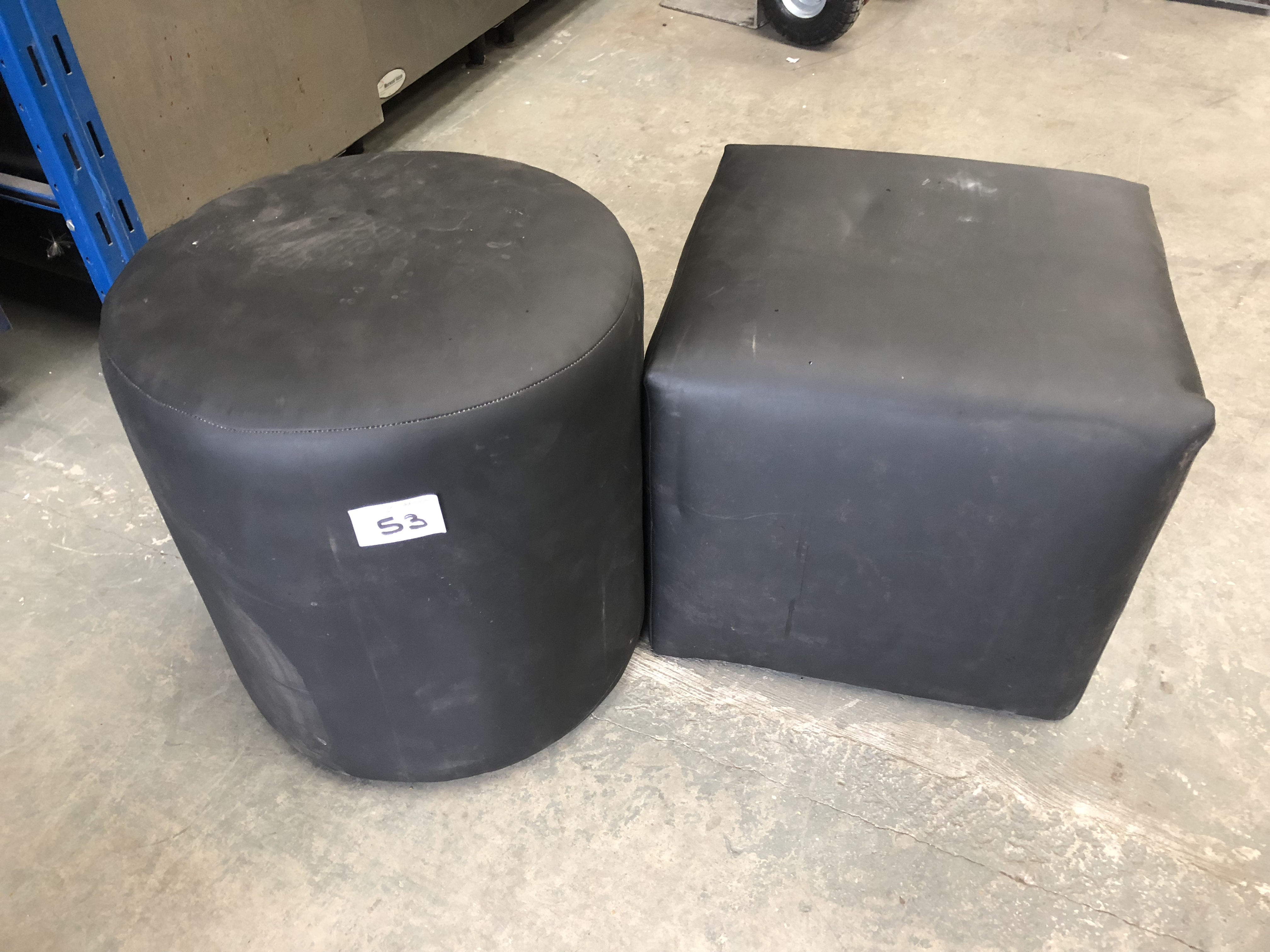 Lot 53 - 2 x Soft Black Leather seats