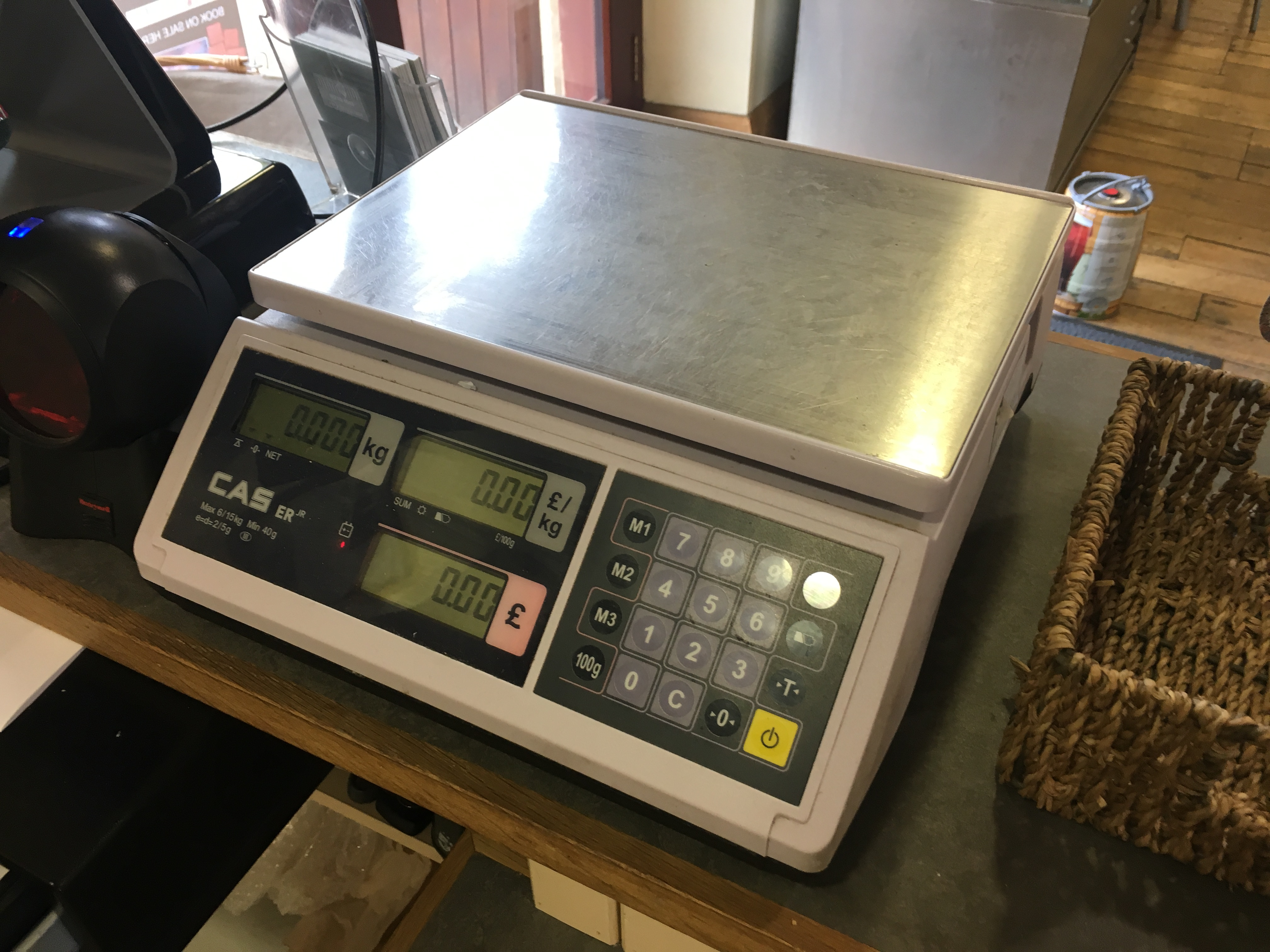 Lot 19 - CAS Weighing Scale