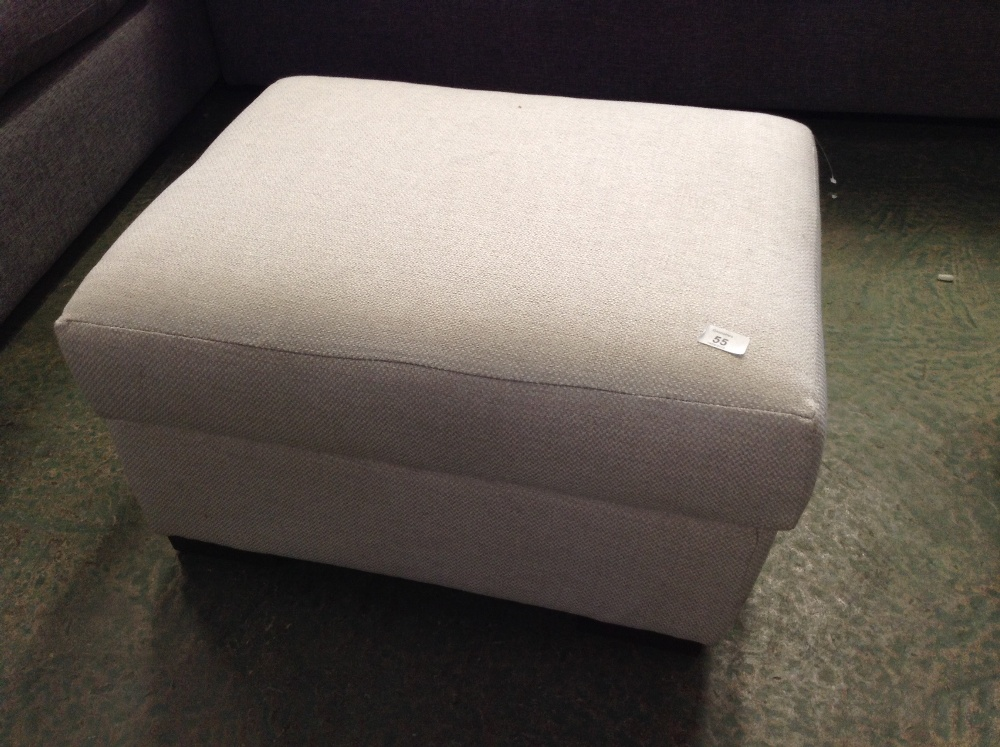 Lotto 55 - BISCUIT STORAGE FOOTSTOOL
