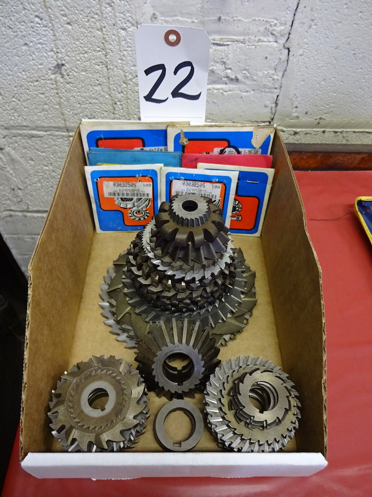 Lot 22 - LOT: Assorted Milling Cutters