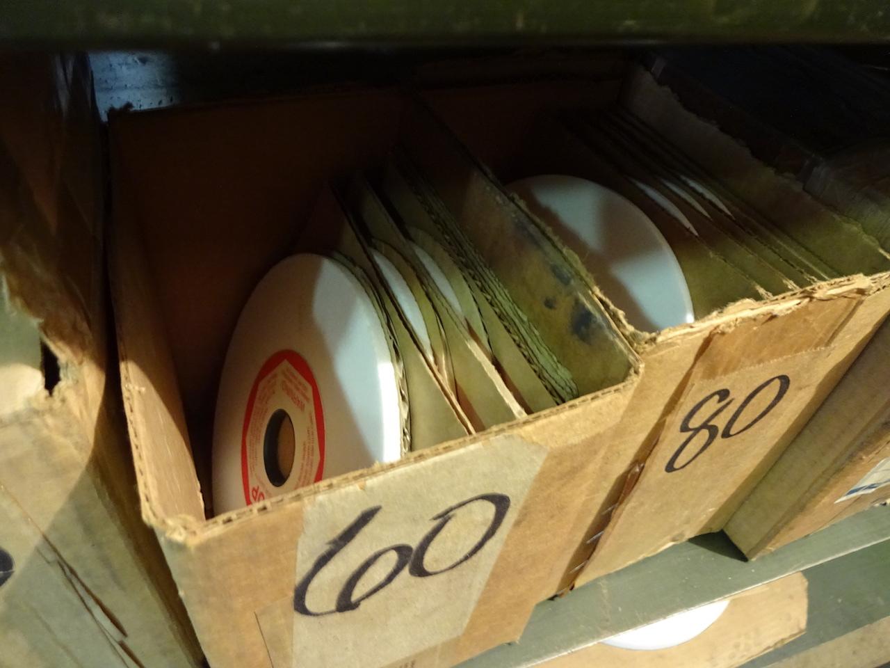 Lot 31 - LOT: Assorted Grinding Wheels on Shelf