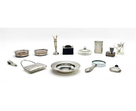 Assorted silver items, to include a small silver purse, silver engine turned cigarette case, a silver handled magnifying glas