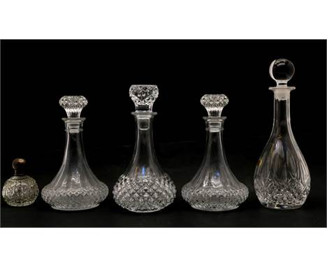 A cased Gleneagles Edinburgh Crystal set, comprising of decanter and two tumblers, two tumblers lacking, together with four v