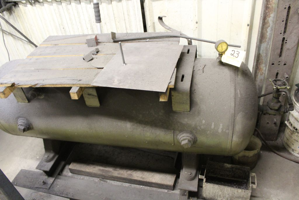 Lot 023 - Horizontal air tank, 120 gal.