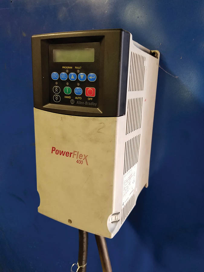 Lot 145 - LOW VOLTAGE TEST BOARD WITH POWER FLEX 400, 115-460 VAC