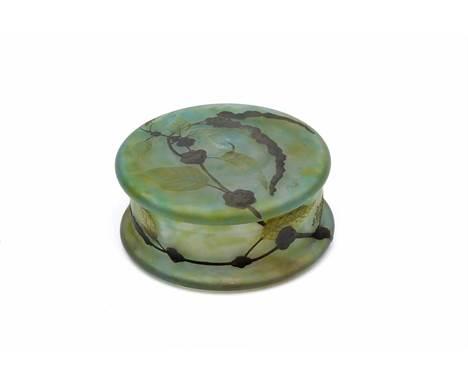 """DAUM - SÉC. XIX/XX, A round box, glass paste, decoration en relief """"Branches and leaves"""", marked DAUM - NANCY, Dim. - 8,2 x 1"""