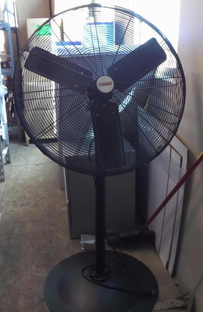 Lot 1955 - Shop Fan