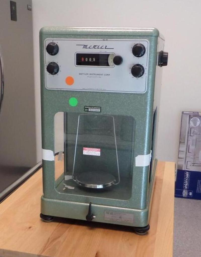 Lot 1952 - Analytical Balance