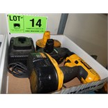 LOT/ DEWALT 18V CORDLESS DRILL WITH BATTERIES AND CHARGER