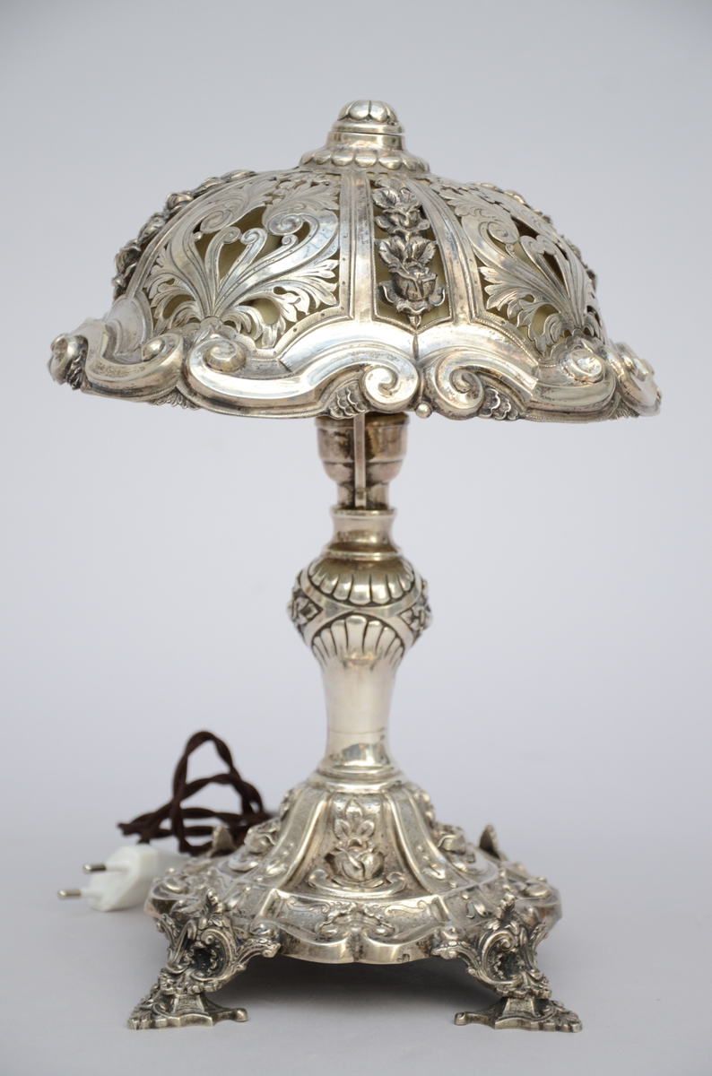 Lot 154 - A Silver lamp, Louis-Philippe (29cm)
