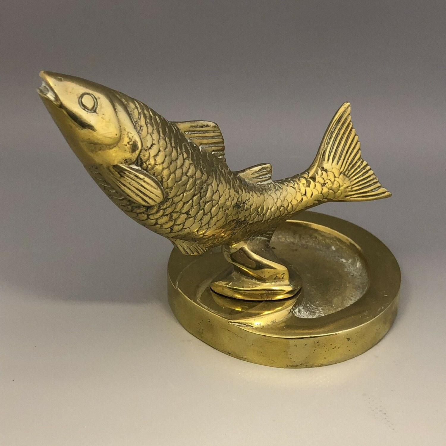Lot 34 - Vintage cast brass ashtray with leaping salmon mount fishing interest car mascot