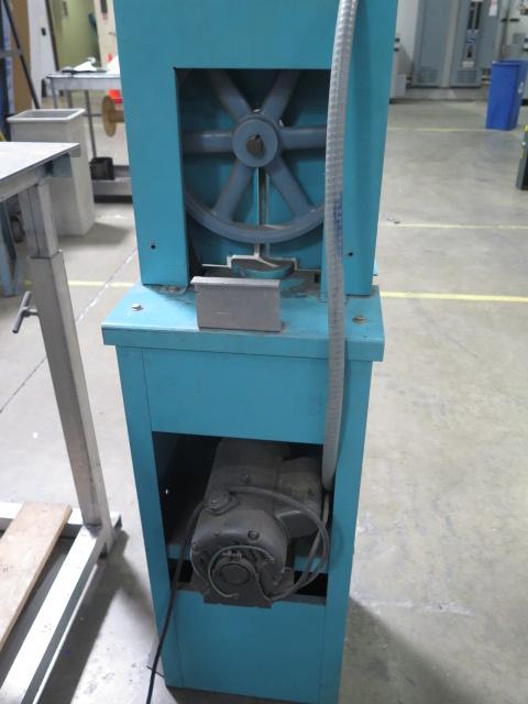 Lot 14 - Ruoff Power Notcher s/n 4704B