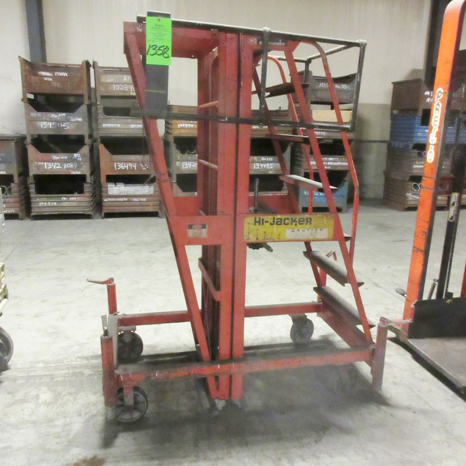 Economy Model Hi-Jacker HJM-3 Manual Hand Crank Platform Lift