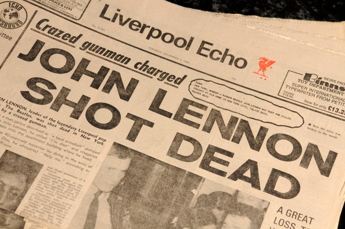 Lot 20 - The Beatles: Liverpool Echo 'John Lennon Shot Dead', 1980.