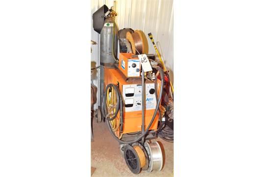 airco model cv250 250 amp aircomatic welding machine s n r6404367 w aircomatic wire feed loadi. Black Bedroom Furniture Sets. Home Design Ideas