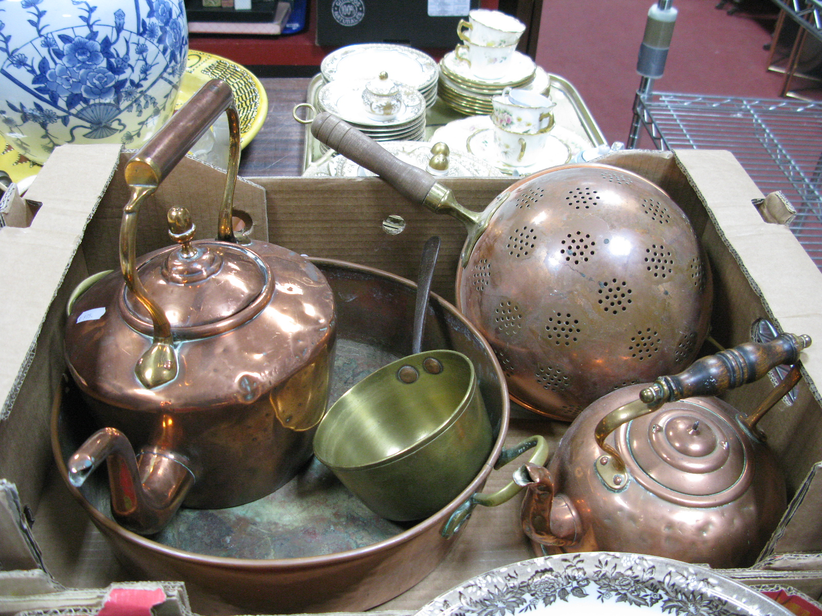 Lot 1088 - A Victorian Copper Kettle, swan neck spout and acorn finial, copper circular pan, brass pan,