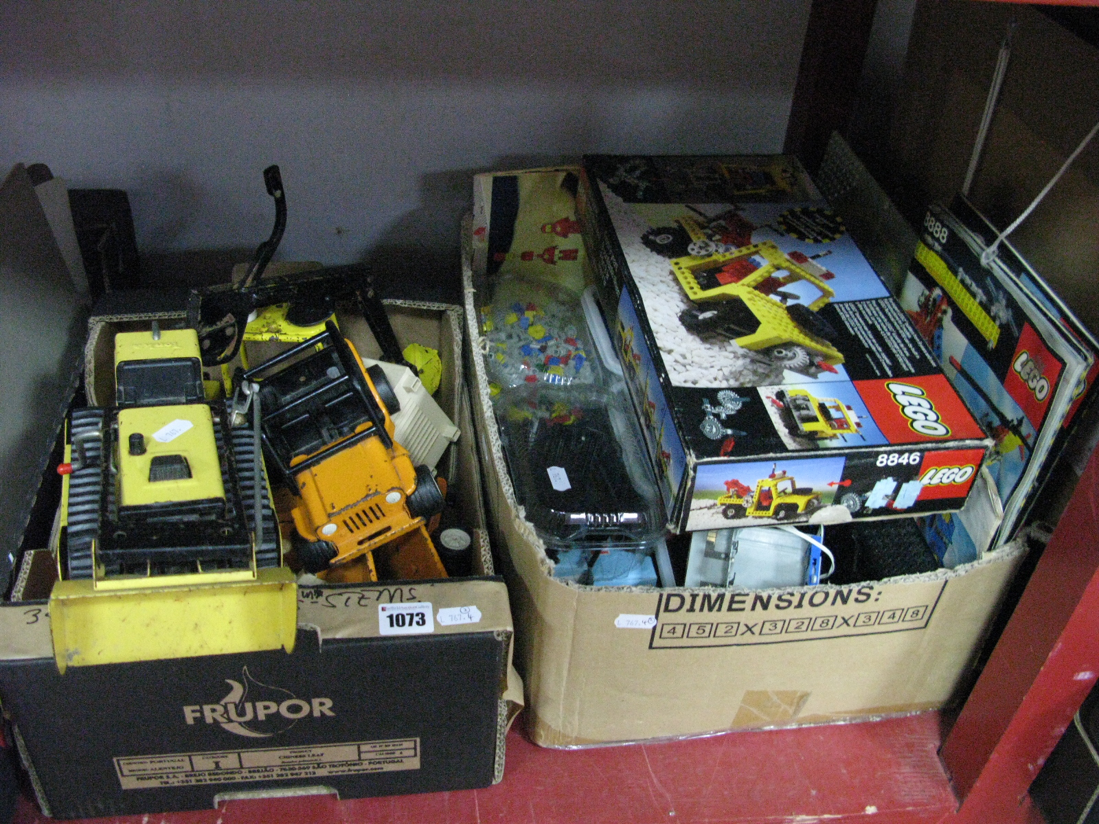 Lot 1073 - Lego Technics Pieces (loose), Lego set 8846 (unchecked for completeness), further loose Lego and