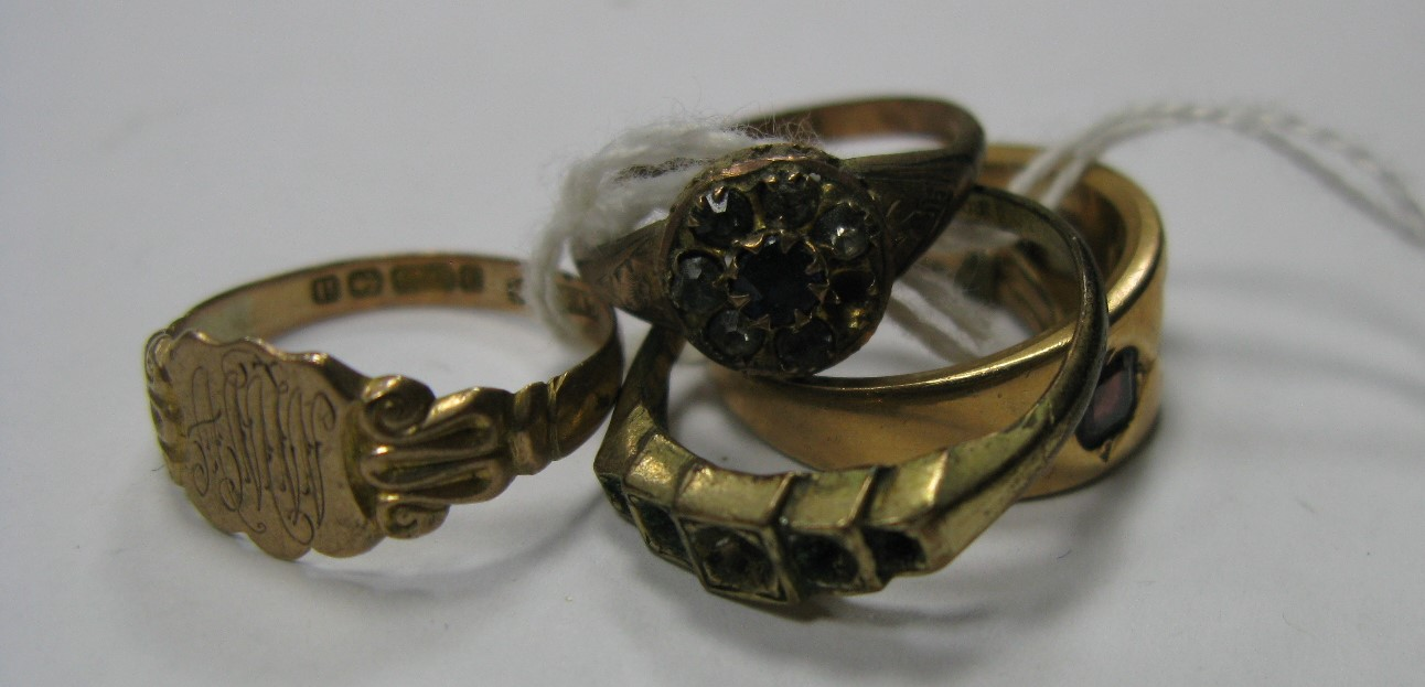 Lot 1380 - A 15ct Gold Three Stone Ring, graduated set; together with a 9ct gold ring, initialled, etc. (5)