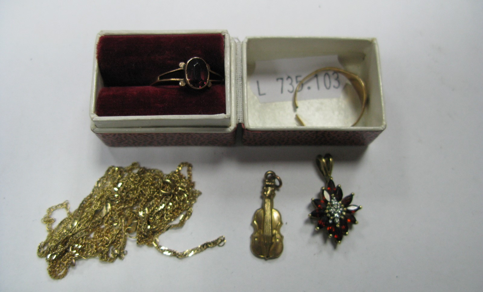 Lot 1395 - Chains, 9ct gold charm pendant, cluster pendant, rings, etc.