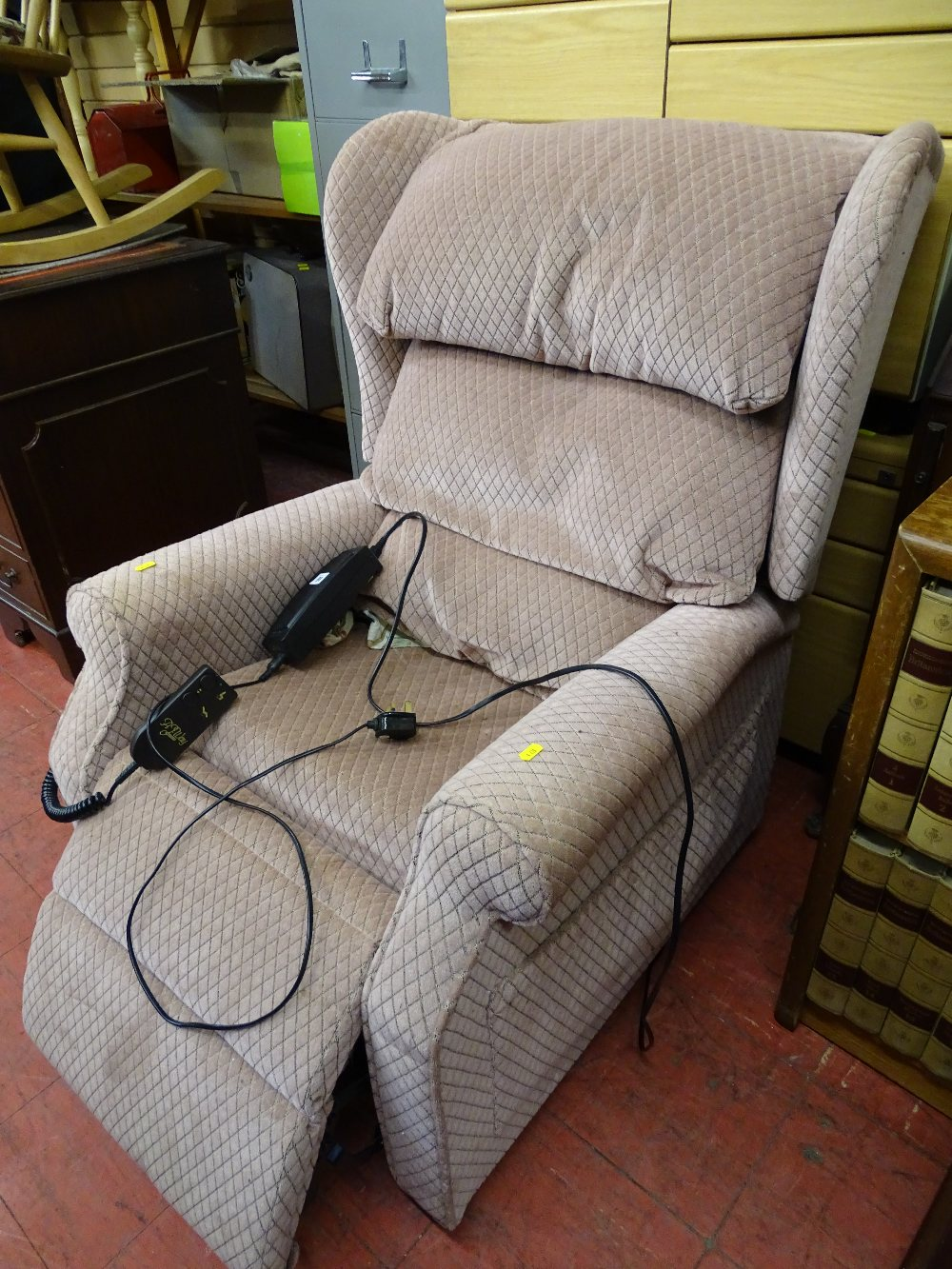 Lot 98 - Modern upholstered electric reclining armchair E/T