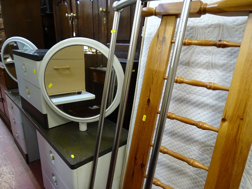 Lot 28 - Modern Stag two tone dressing table and small chest with dual circular mirrors along with two modern