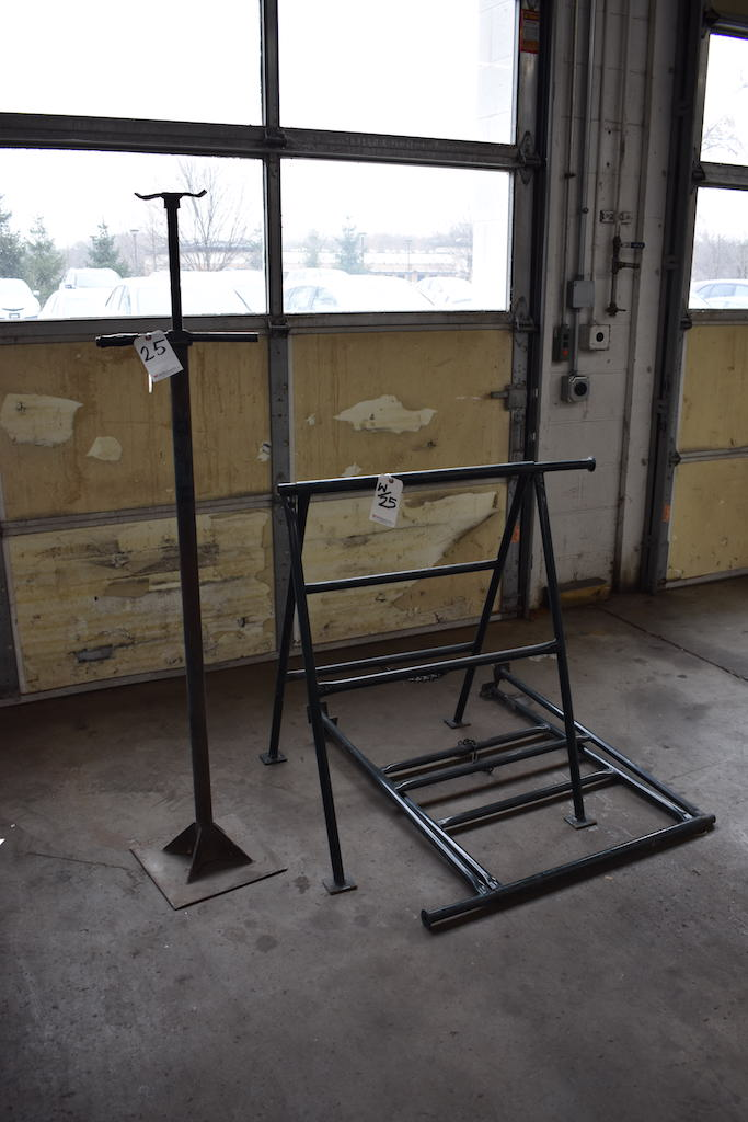 Lot 25 - LOT: (2) STEEL HORSES & ADJUSTABLE JACK STAND