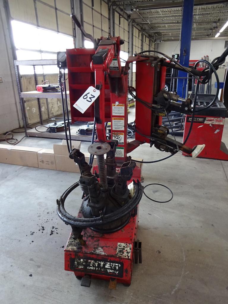 Lot 63 - HUNTER MODEL TC 3500 TIRE CHANGER