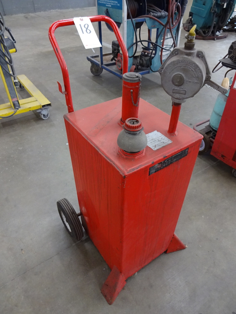 Lot 18 - WESTERN MANUFACTURING MODEL GC-30 GAS CADDY