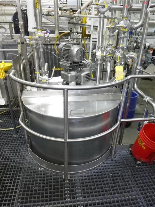 Lot 249 - approx. 480 gallon S/S vertical mix/blend tank, c/w: flat open top w/ lids, dished bottom, bottom