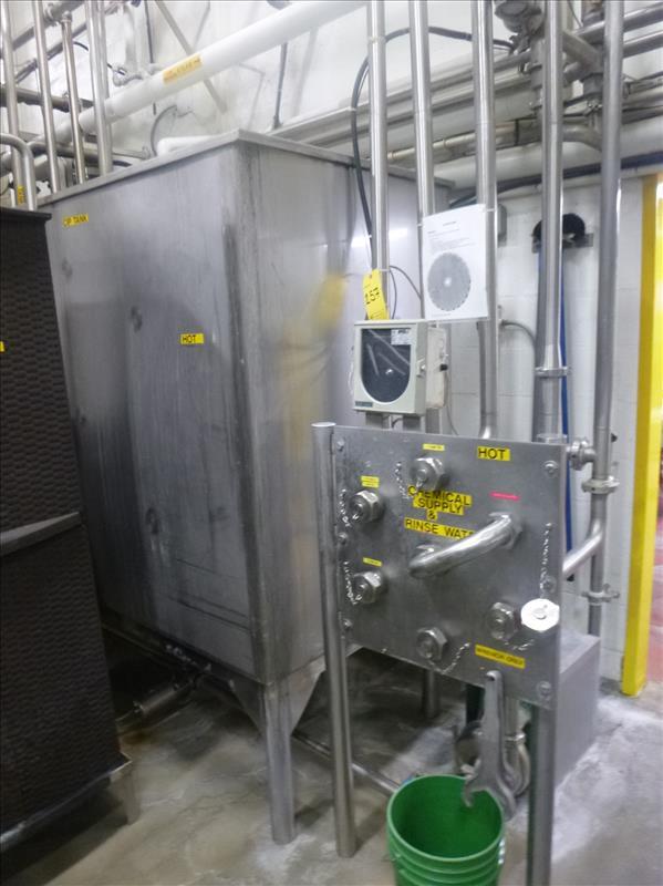 Can Line rectangular CIP Tank, with (1) APV Puma 15 h.p. centrifugal pump, (1) centrifugal pump (I. - Image 4 of 6