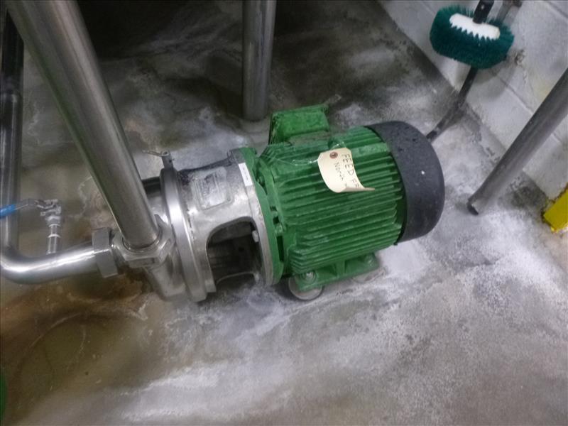 Can Line rectangular CIP Tank, with (1) APV Puma 15 h.p. centrifugal pump, (1) centrifugal pump (I. - Image 5 of 6