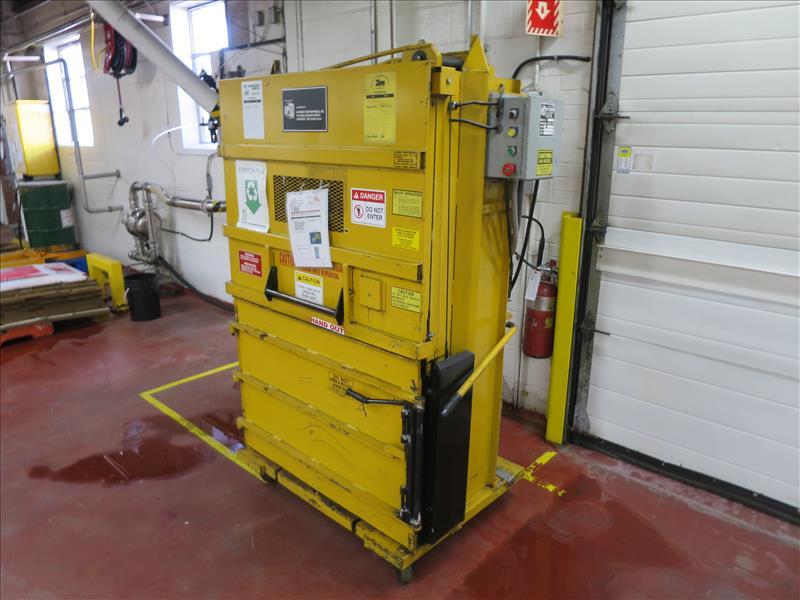 Lot 239 - GPI Compactor