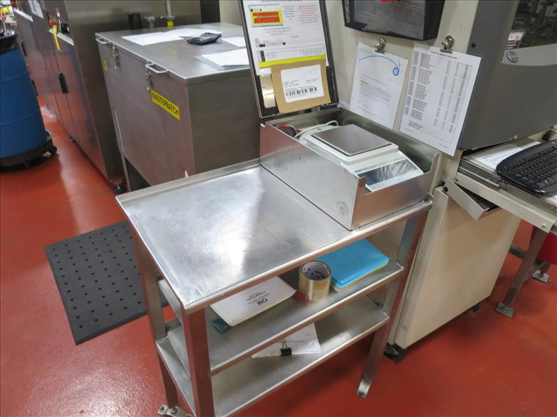Lot 166 - Mettler Toledo weigh scale, model PG2002-S, max 2100g; min 0.5 g, with stainless table