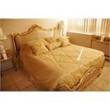 Assorted Pillows, Linen, Bedcover